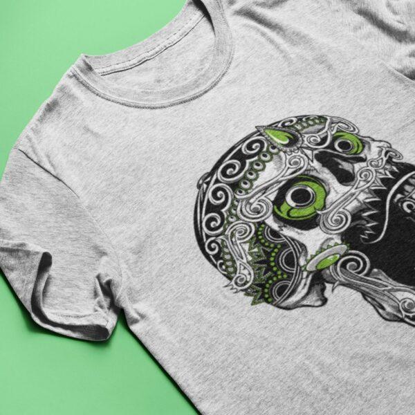 Totenkopf T-Shirt in hellgrau meliert mit schwarz-grünem Motiv