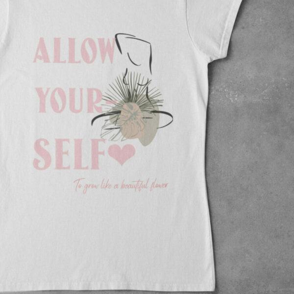Allow Yourself T-Shirt weiß mit Motiv Lineart mit Slogan