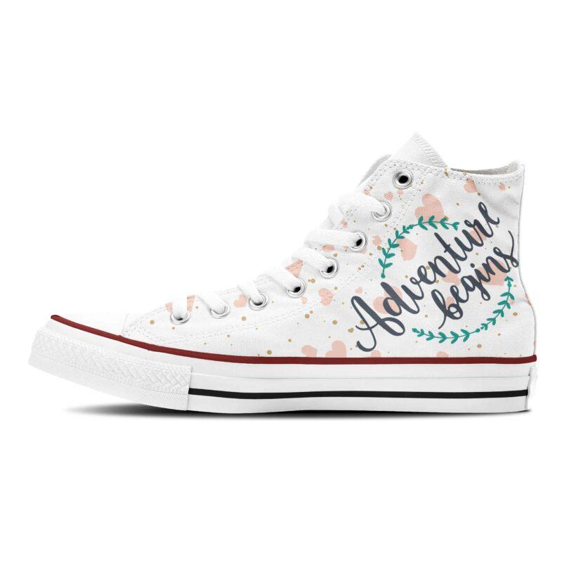 Brautschuhe Hochzeit Sneaker Adventure Begins weiße Canvassneaker mit Hochzeitsmotiv