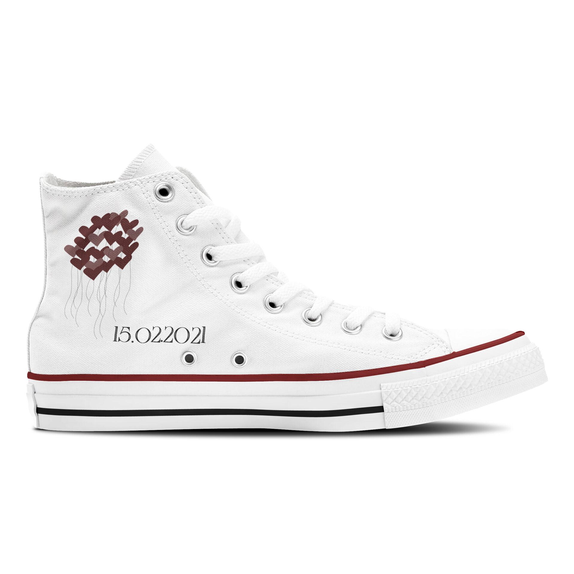 Marry Me Hochzeit Sneaker weiße Canvasschuhe Converse oder Classic mit schwarzer Hochzeitsgrafik Innenansicht